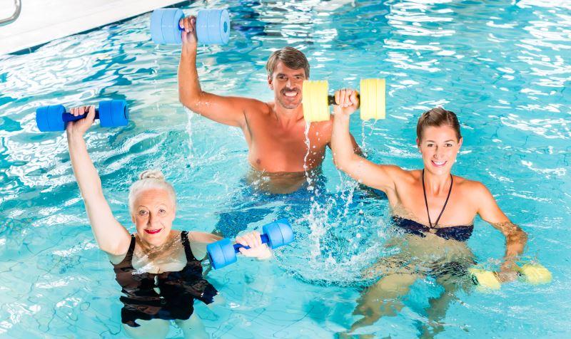 Физические упражнения в воде