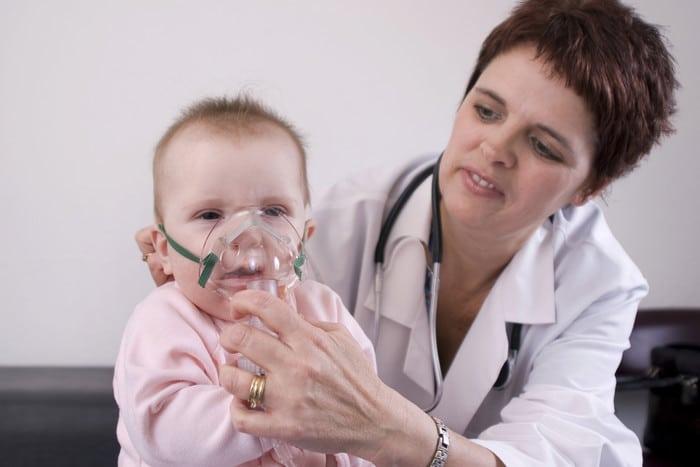 Наблюдение врача за процедурой