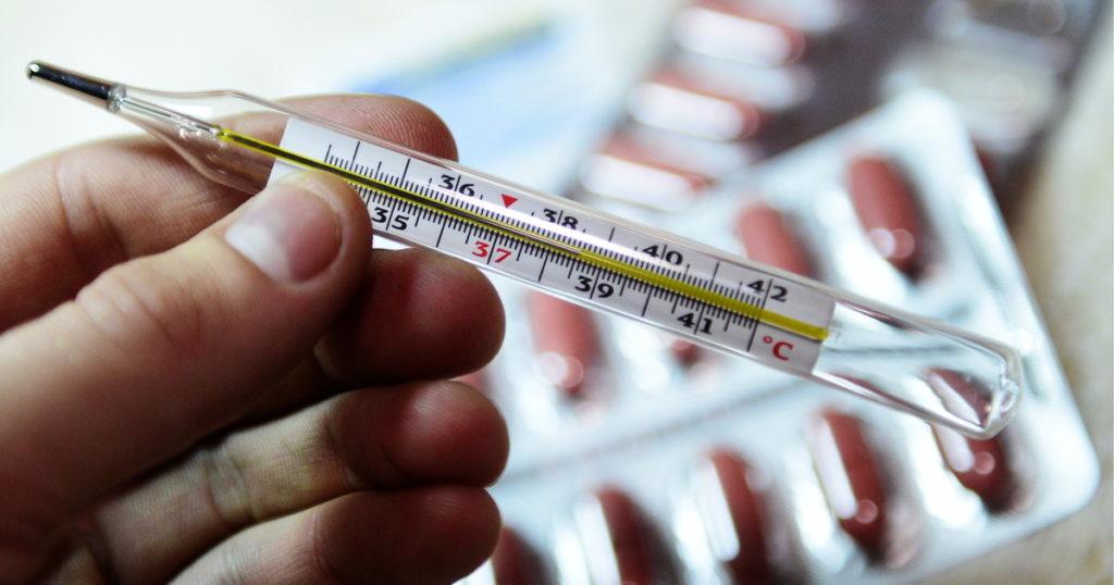 Что принимать при ОРВИ и гриппе?